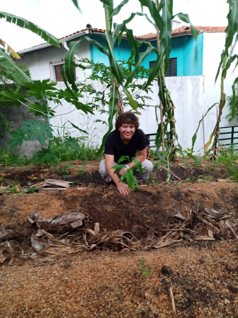 plantio primeira árvore em 2021