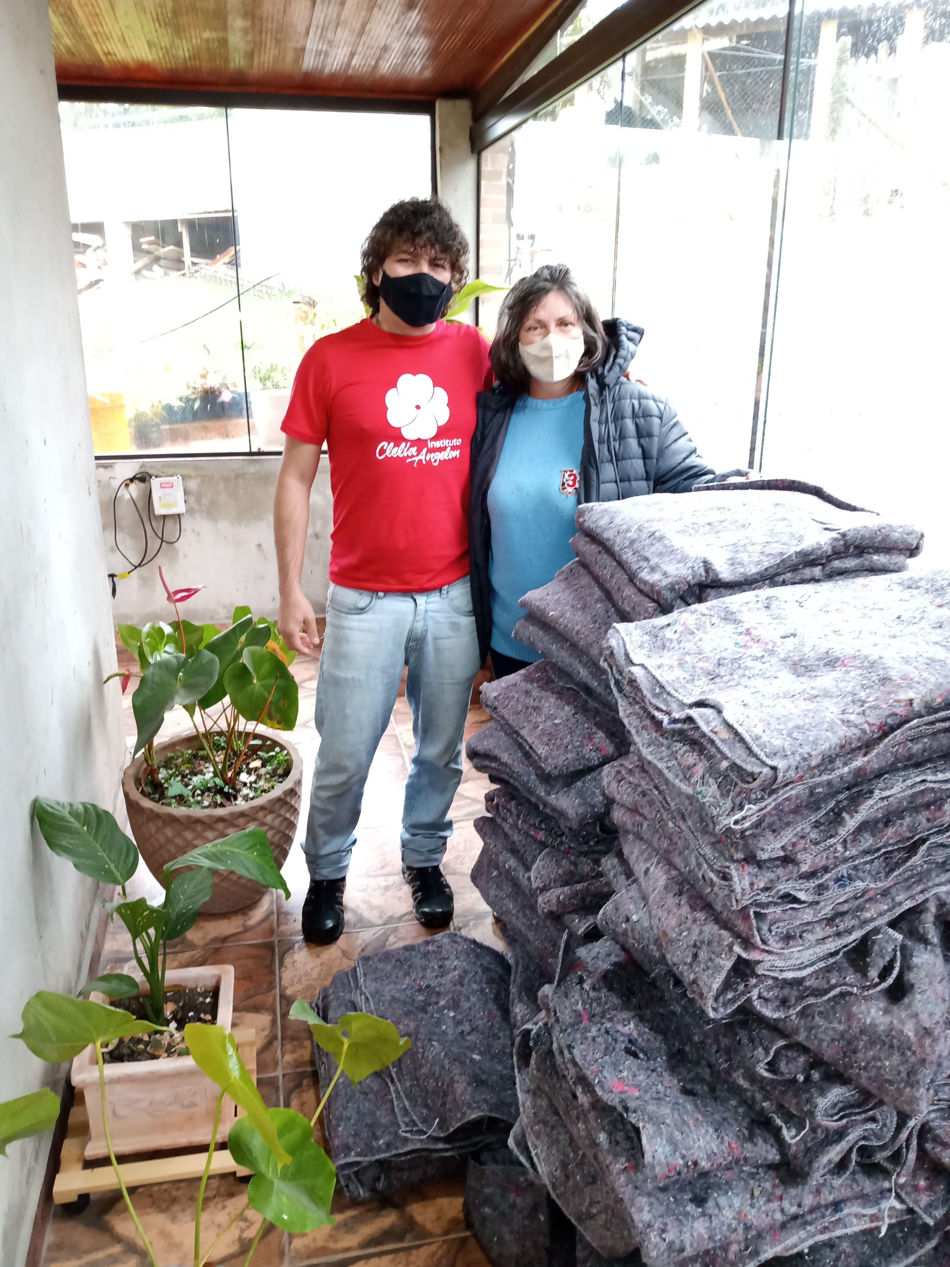 entrega cobertores Rancho AuAu